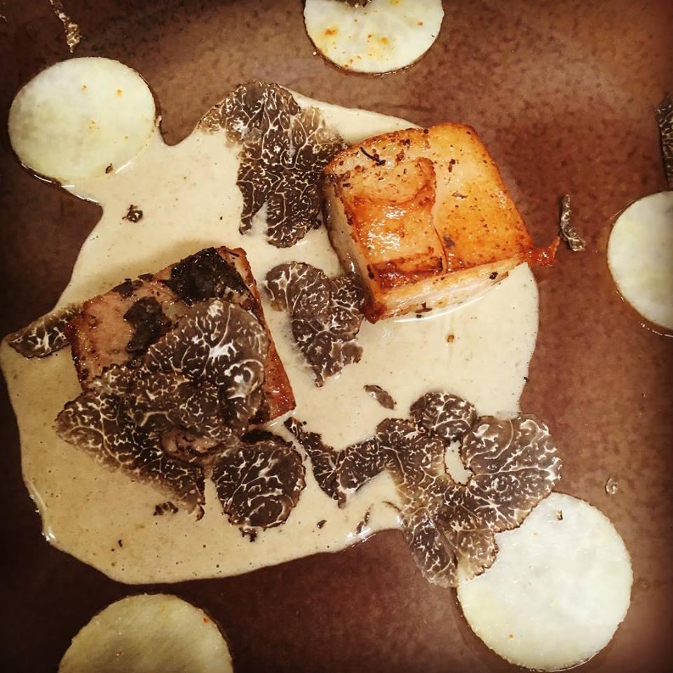 lard et truffes noir la ferme du vieux poirier restaurant mariette